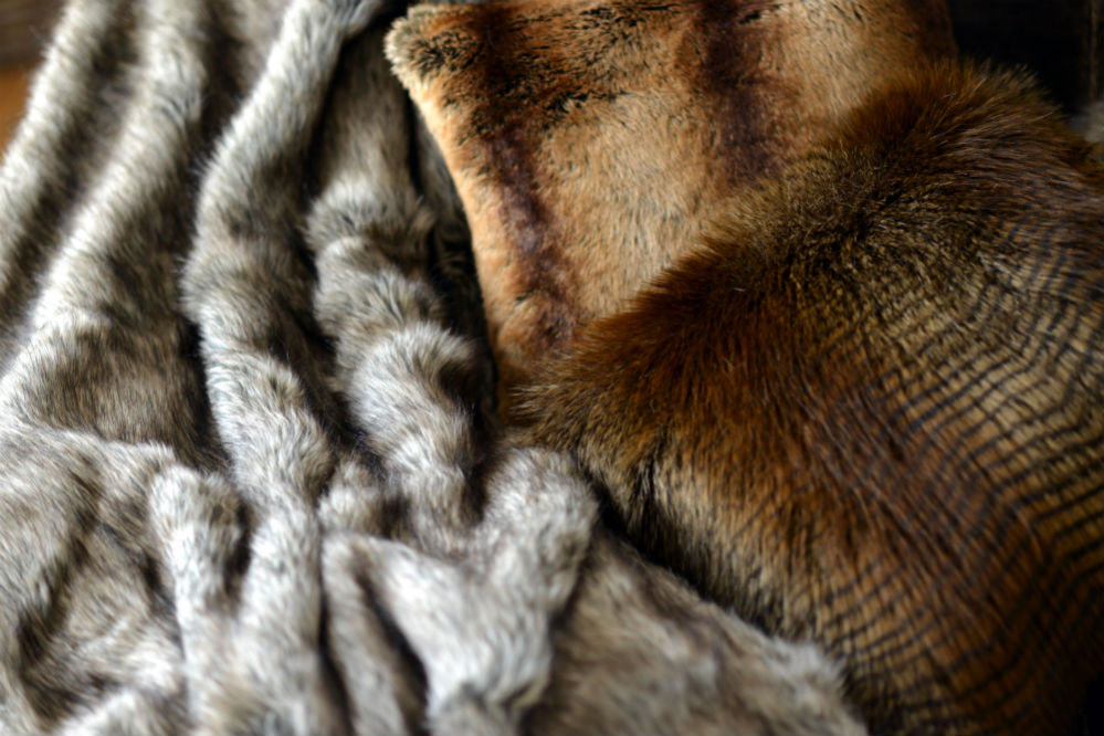 Care For Your Faux Fur Blanket In, How To Wash A Fur Coat In Washing Machine